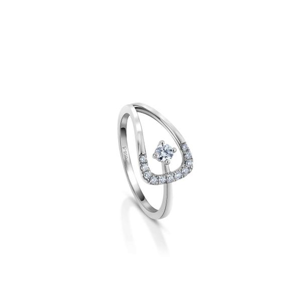 Gorgeous Platinum Ring for Women 20PTEUR45